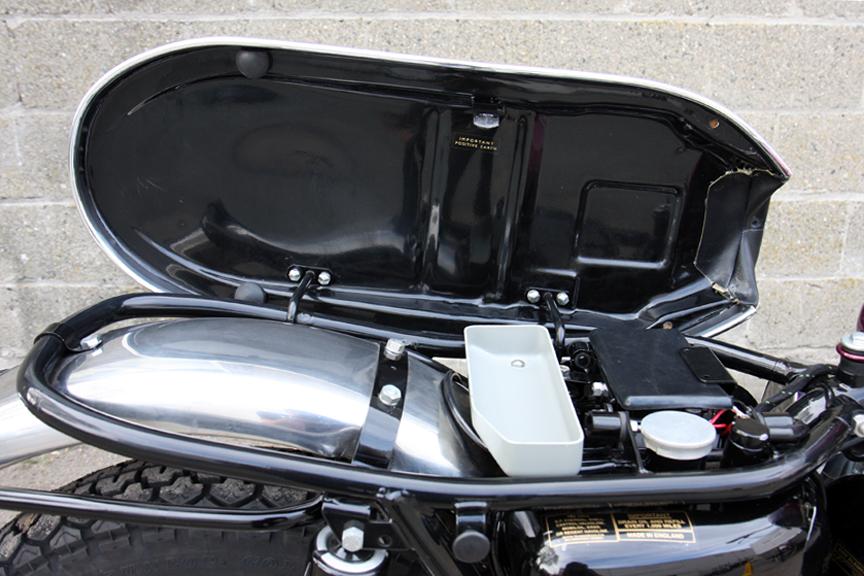 triumph bonneville custom seats